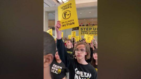 Arrestan adolescentes durante protesta en el Capitolio de Washington