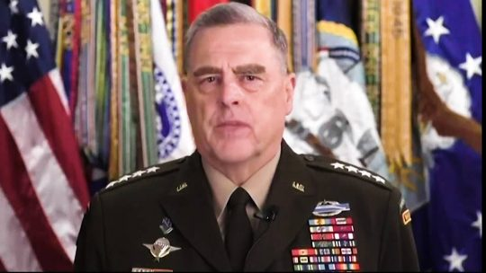 Alto mando militar de EE.UU. se arrepiente de acompañar a Trump en sesión fotográfica