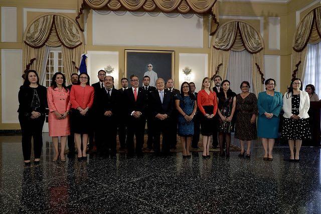 El Salvador: Presidente juramenta al nuevo canciller