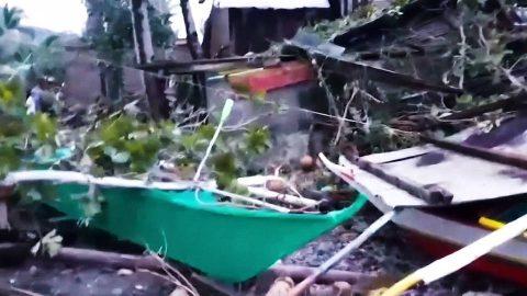 El tifón Phanfone azota Filipinas y deja al menos 21 muertos