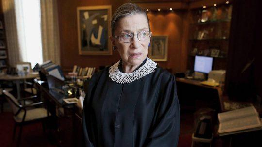 La muerte de la jueza Ruth Bader Ginsburg desata homenajes y una feroz batalla por su sucesión