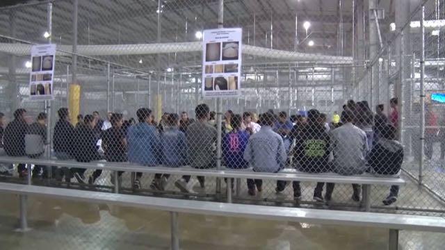 Jueza ordena nombramiento de monitor independiente para supervisar los centros de detención de menores inmigrantes en EE.UU.