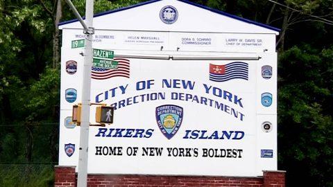 New York resuelve demanda por invasivos cacheos a visitantes de cárceles