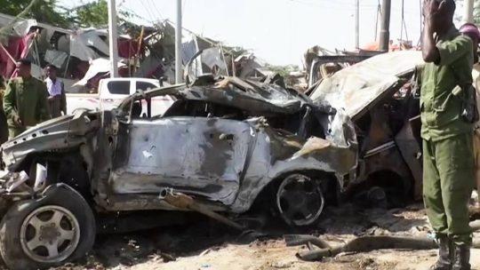 Un vehículo bomba mata a 79 personas en Mogadiscio, Somalia