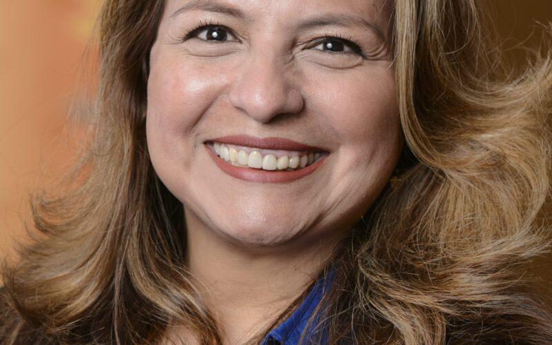 El voto latino es clave en estas elecciones: Elizabeth R. Guzmán