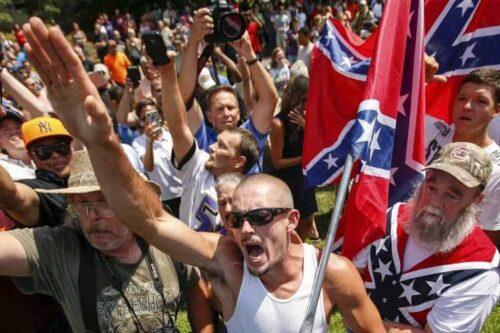 Esto no admite debate: Trump alienta a los supremacistas blancos violentos