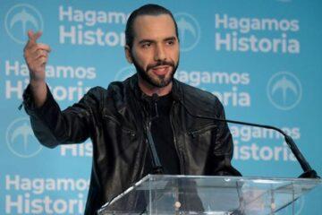 """Que los gobiernos anteriores """"devuelvan lo robado"""" y que el actual…""""no robe más"""" [en El Salvador]"""