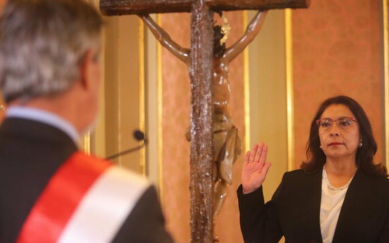 Perú: Violeta Bermúdez Valdivia juró como nueva presidenta del Consejo de Ministros