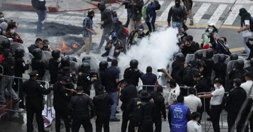 Guatemalan Police Attack Peaceful Protesters