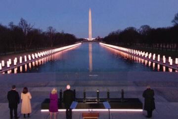 Biden y Harris conmemoran a las más de 400.000 víctimas de la COVID-19 en EE.UU. en víspera de la investidura presidencial