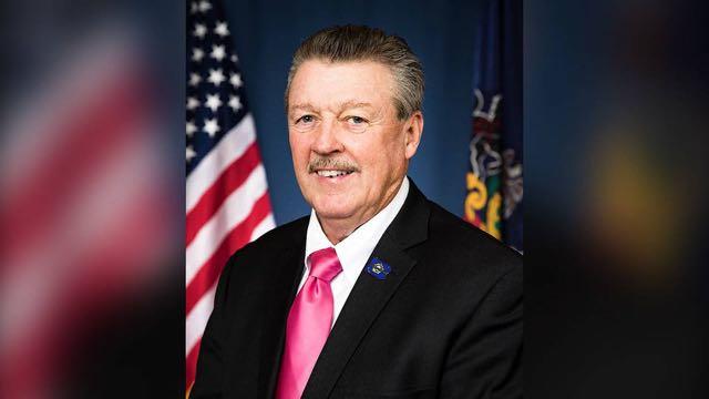 Senadores estatales de Pensilvania se niegan a juramentar a legislador demócrata electo