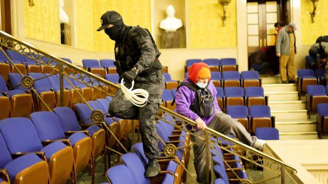 Las autoridades siguen haciendo arrestos tras el ataque terrorista al Capitolio de Estados Unidos