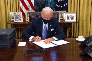 Biden firma órdenes ejecutivas sobre el medioambiente, inmigración, derechos civiles, economía y la pandemia