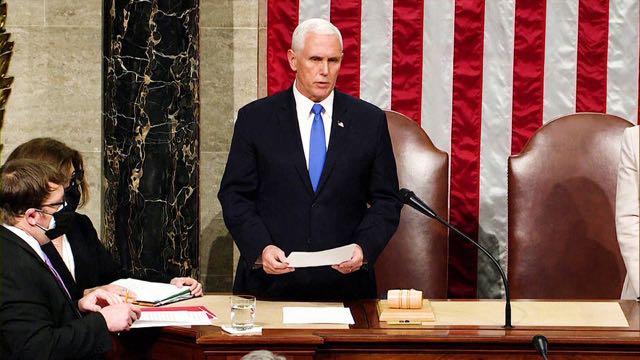 El Congreso de EE. UU. certifica la victoria presidencial de Joe Biden