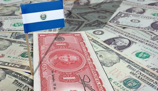20 años sin política monetaria, en El Salvador