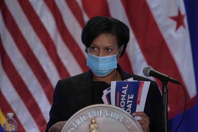 Alcaldesa de DC extiende emergencia de seguridad pública hasta el 24 de enero