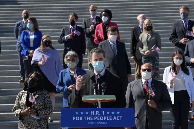 Congresistas demócratas tras una reforma del sistema electoral en EE.UU.