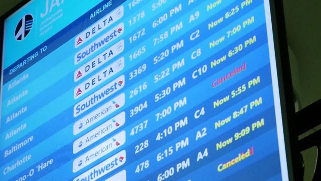 En Estados Unidos, los viajes en avión llegan a su número más alto desde el inicio de la pandemia