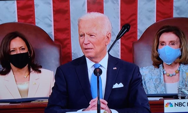 Biden se muestra muy positivo en sus cien primeros días de gobierno