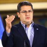 El presidente hondureño usó cuentas falsas para aparentar mayor popularidad