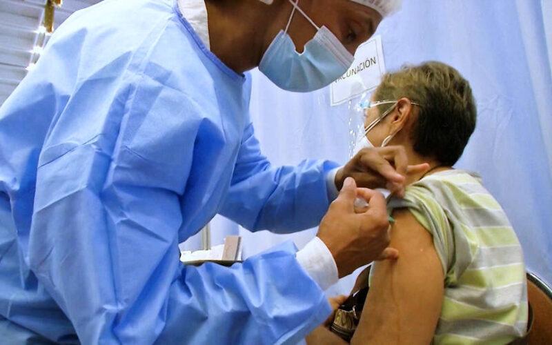 """Biden afirma que las donaciones de vacunas son """"sin compromiso"""", pero Venezuela no recibirá dosis de EE.UU."""