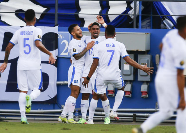 El Salvador clasifica a los cuartos de final de la Copa Oro